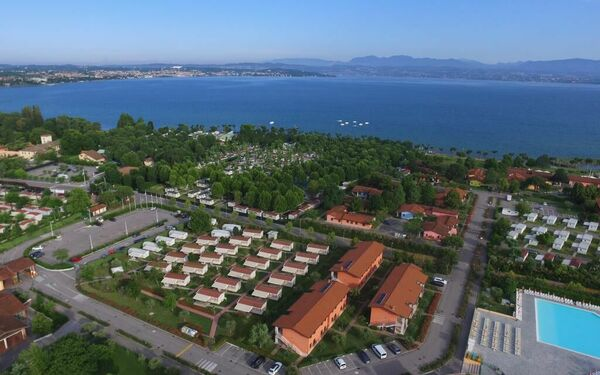 Villaggio Colombare, Holiday Apartment for rent in Sirmione, Lombardy