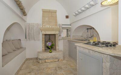 Masseria Ortensia: kitchen