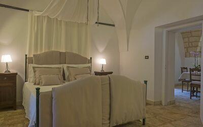 Masseria Ortensia: master bedroom