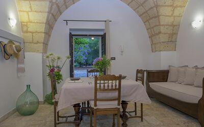 Masseria Ortensia: dining-living room