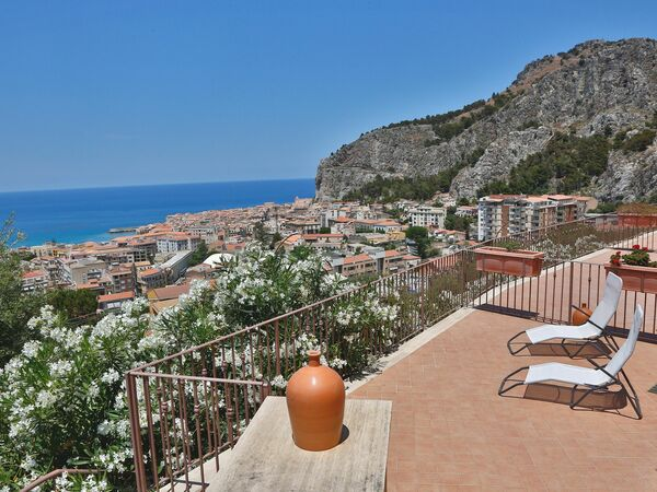 Ponente, Holiday Apartment for rent in Cefalù, Sicily
