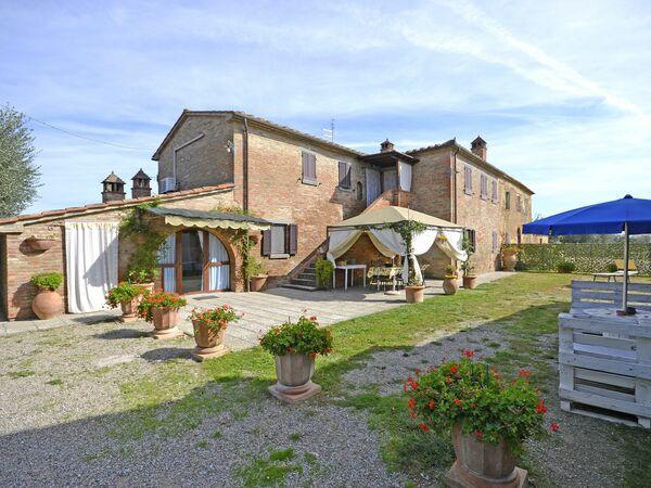 Casale Valdichiana, Holiday Home for rent in Creti, Tuscany