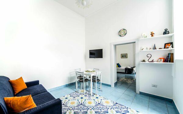 Balcone Su Napoli, Apartment for rent in Naples, Campania