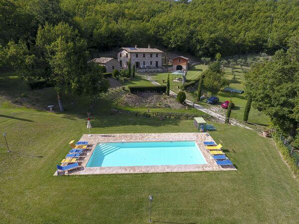 Il Casolare Della Foresta, Villa for rent in Serrapetrona, The Marches