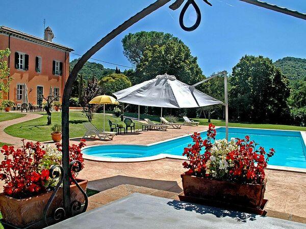 L'isola Del Barone, Villa for rent in Bettona, Umbria