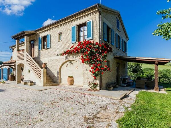 La Fattoria Di Nonna Elvira, Villa for rent in Mondavio, The Marches