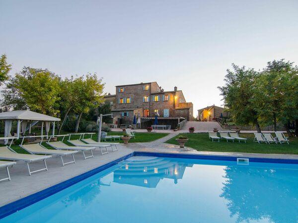 Relais Sogno Dei Fiori, Villa for rent in Fratticciola, Tuscany
