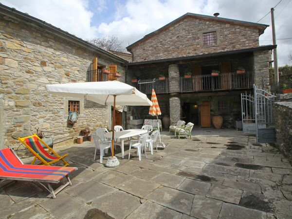 L'aia Di Casola, Holiday Home for rent in Casola In Lunigiana, Tuscany