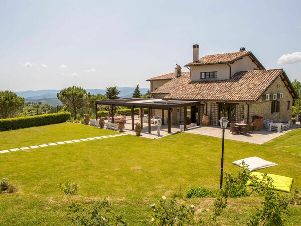 Villa Dei 4 Profumi, Villa for rent in Monte Santa Maria Tiberina, Umbria