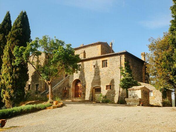 Maniero Tramonto e Poesia, Villa for rent in Orvieto, Umbria