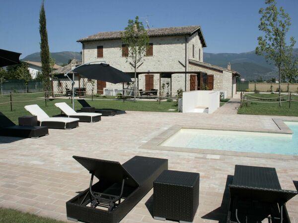 Casolare Meriggio D'or, Villa for rent in Foligno, Umbria