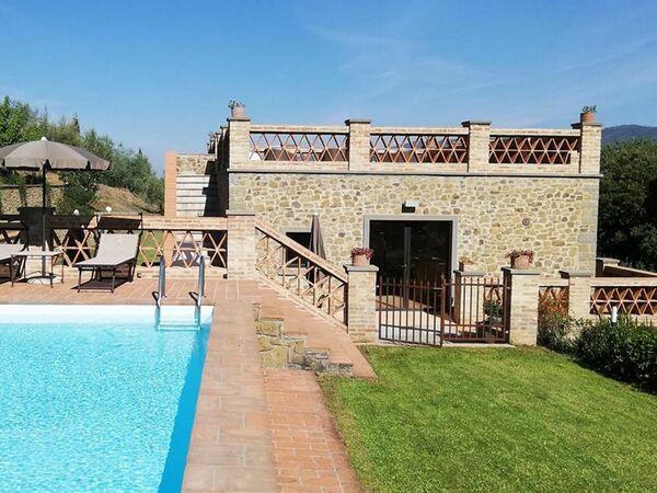 Casa Del Tronco Di Cristallo, Villa for rent in Montecchio, Tuscany