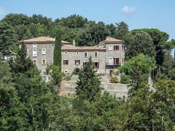 Gran Relais Del Papa, Villa for rent in Montefiascone, Latium