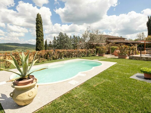 Valdambra Villa, Villa for rent in Vepri, Tuscany