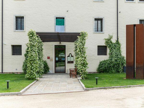 Suite Palladio In La Barchessa Di Villa Pisani, Apartment for rent in Bagnolo, Veneto