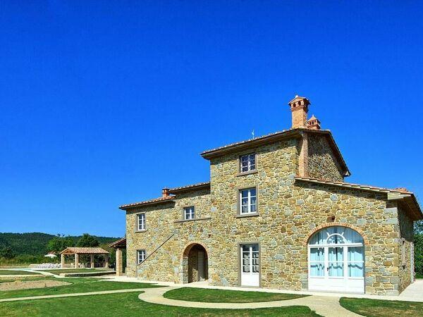 Il Casale Dei Viottoli, Villa for rent in Castiglion Fiorentino, Tuscany