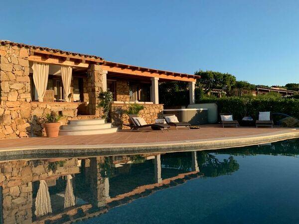 Villa Molara Deluxe, Villa for rent in Monte Petrosu, Sardinia