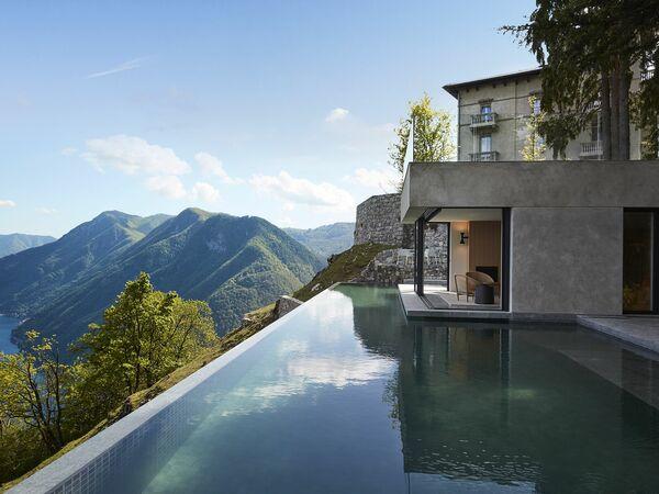 Majestic Como Moolight, Villa for rent in Pigra, Lombardy