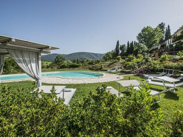 Luxury Ponente, Villa for rent in Traiana, Tuscany