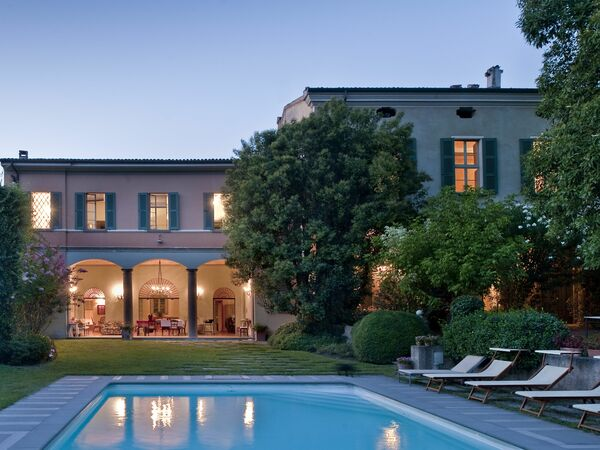 La Reggia Del Lord, Villa for rent in Bornato, Lombardy