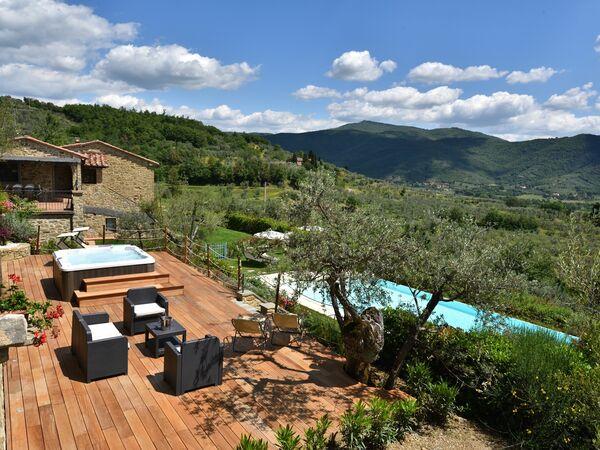 La Pietra Al Tramonto, Villa for rent in Castiglion Fiorentino, Tuscany