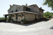 Villa Poggio Girasoli in affitto a Todi