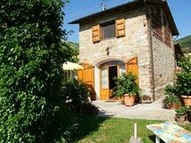 Chenzia, Country House for rent in Capannori, Tuscany