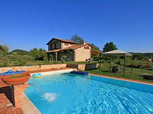 Casa Gragnano, Villa for rent in Capannori, Tuscany