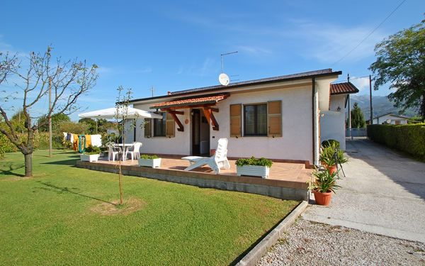 Casa Sofia, Holiday Home for rent in Montignoso, Tuscany