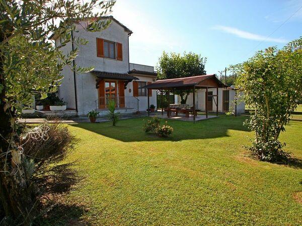 Casa Domenico, Holiday Home for rent in Montignoso, Tuscany