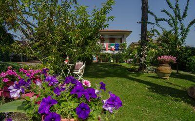 Il Giardino: Apartment for Rent near Forte dei Marmi