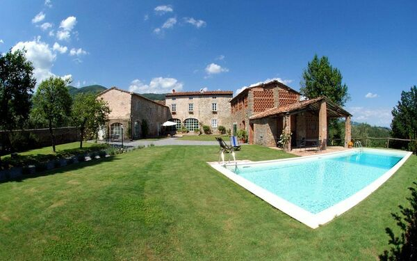 Colle Grosso, Holiday Apartment for rent in Capannori, Tuscany