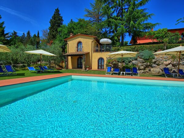 Casa Rossa, Apartment for rent in Gorgognano, Tuscany