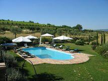 Limoni, Villa for rent in Valiano, Tuscany