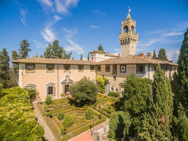Montegufoni, Castle Apartment for rent in Montegufoni, Tuscany