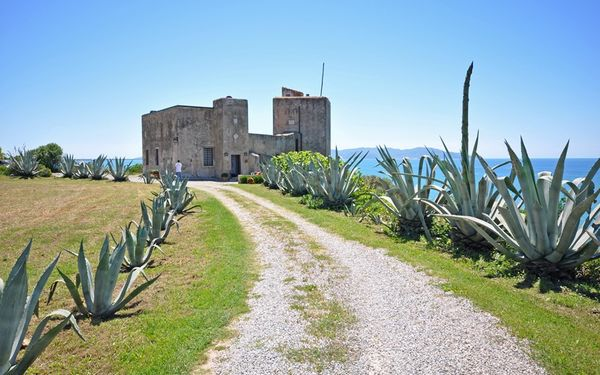 Presidio, Castle for rent in Talamone, Tuscany
