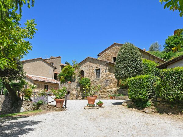 Borgo Del Castagno, Apartment for rent in Cortona, Tuscany