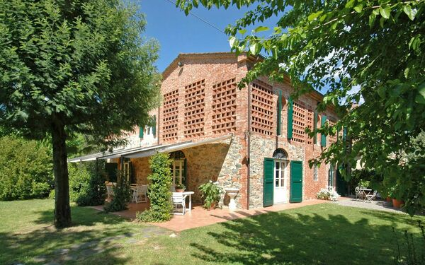 Villa Fontine, Villa for rent in Orentano, Tuscany