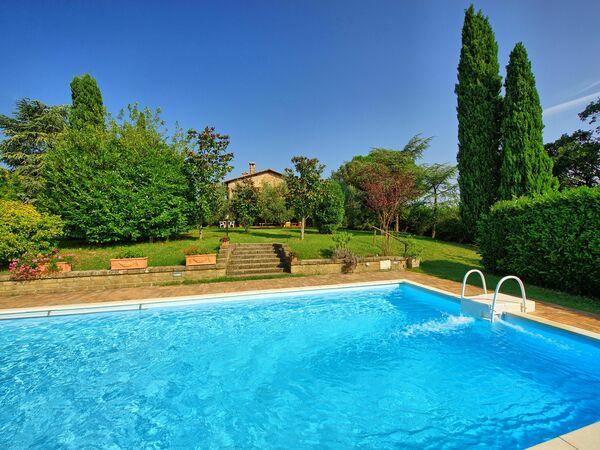 Casale Giulio, Villa for rent in Cetona, Tuscany