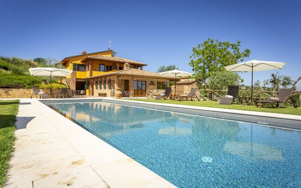 Villa Amadeo, Villa for rent in Montaione, Tuscany