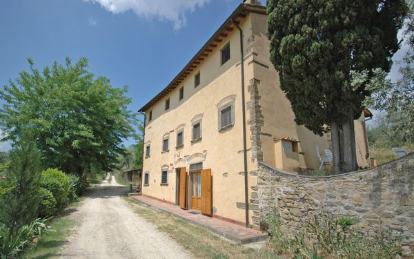 Le Vasche, Apartment for rent in Romola, Tuscany