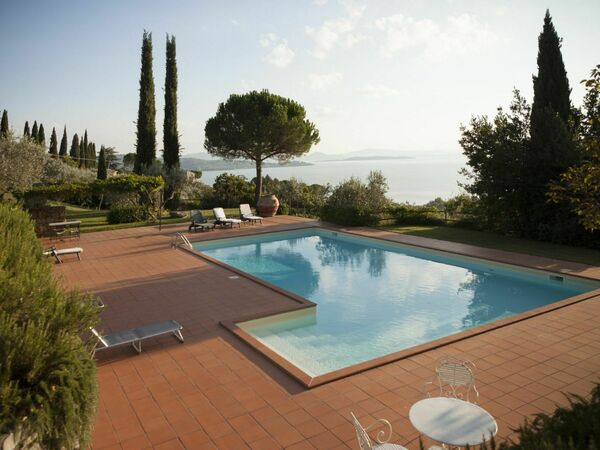 Villa Le Murate, Villa for rent in Passignano Sul Trasimeno, Umbria