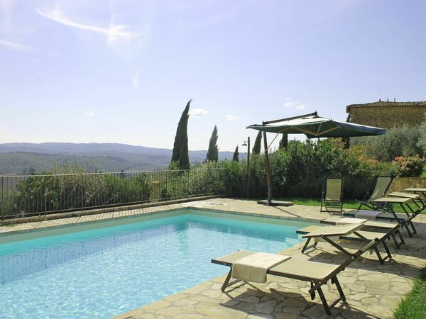 Villa Spicciano 8 in affitto a Tignano