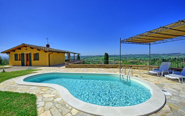 Villa Roberto, Villa for rent in Fontanella, Tuscany