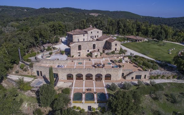 Villa Vittorio, Villa for rent in Iesa, Tuscany